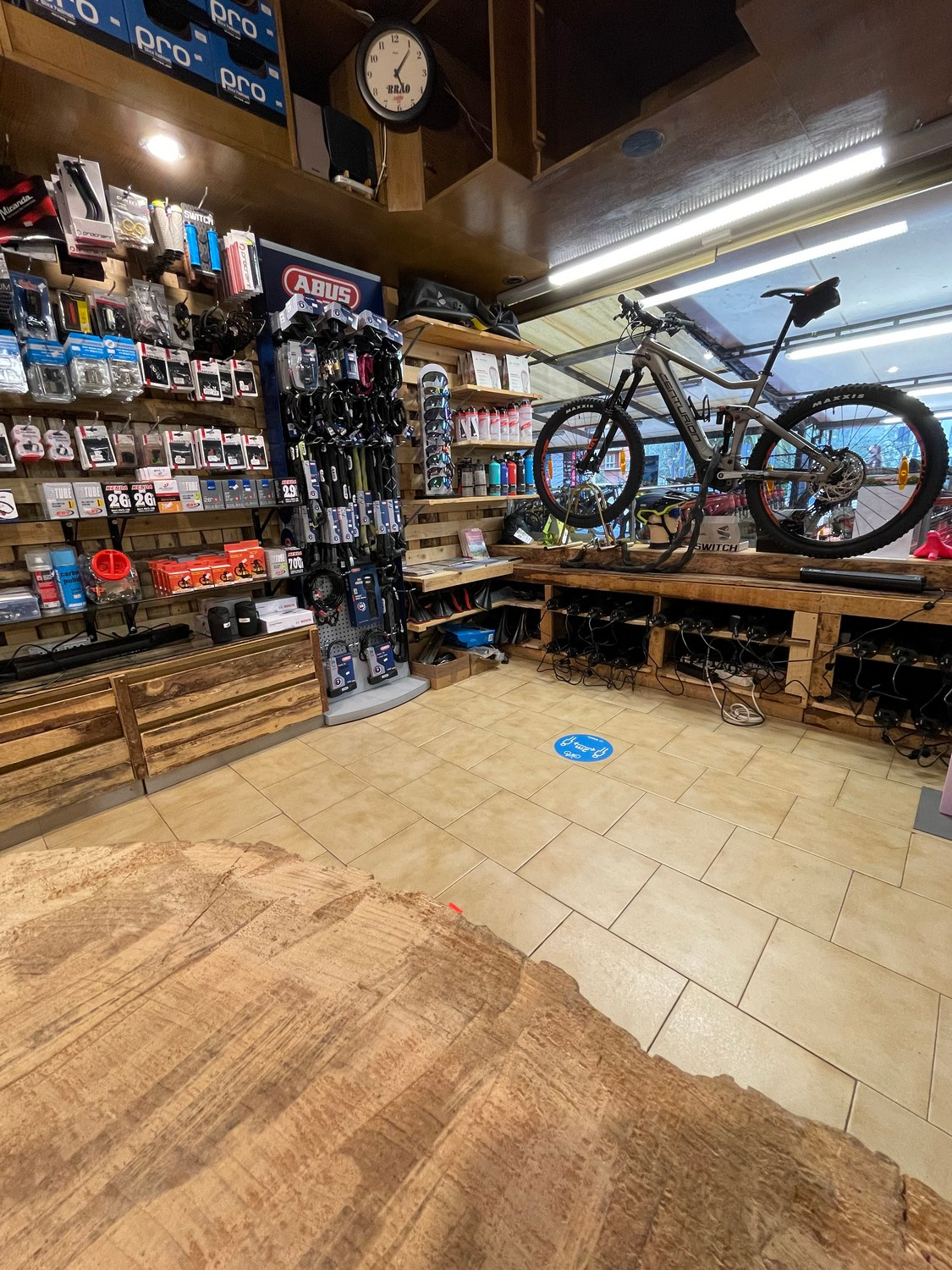 mandelli bike - rental center and shop